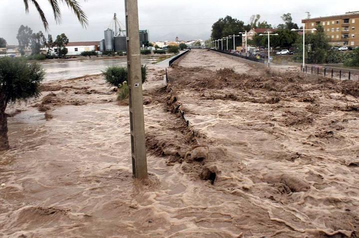 CÓNDOR APOYA LAS REIVINDICACIONES DE LOS VECINOS DE VILLABLANCA POR LAS PASADAS INUNDACIONES