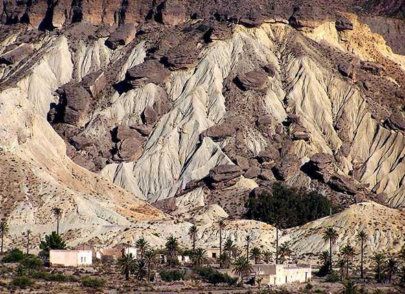 Itinerario Montañismo al Pantano de Isabel II y Volcán de la Granatilla (Sierra Alhamilla-Nijar)