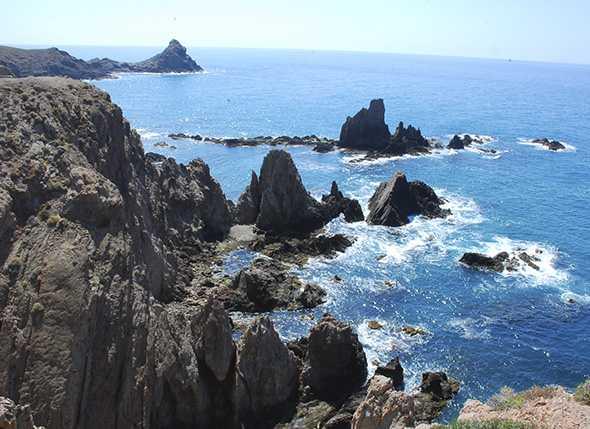 Itinerario de Montañismo Cabo de Gata: Las Negras – Los Lobos – Rodalquilar