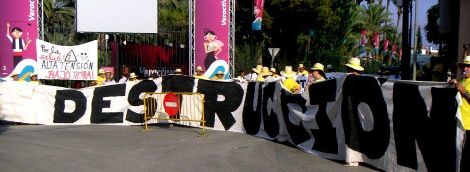 ACTIVISTAS DE VARIOS GRUPOS ECOLOGISTAS IRRUMPEN EN LA INAUGURACIÓN DE VERACTIVA EN ACTO DE PROTESTA